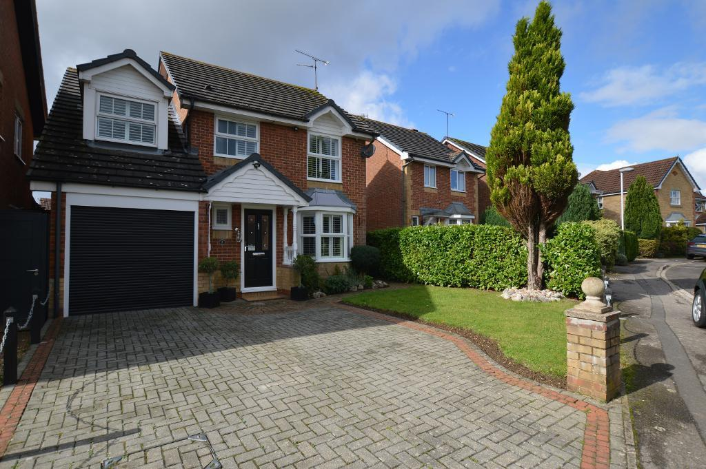 4 Bedrooms Detached House for sale in Elvington Gardens, Luton, Bedfordshire, LU3 4ET