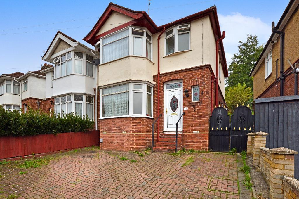 3 Bedrooms Semi Detached House for sale in Meyrick Avenue, Farley Hill, Luton, LU1 5JR