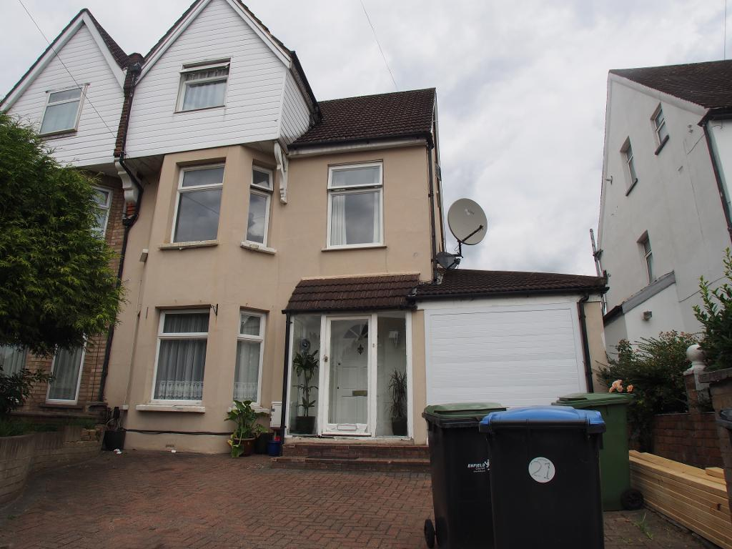 4 Bedrooms Semi Detached House for sale in Osborne road, Enfield, EN3 7RN