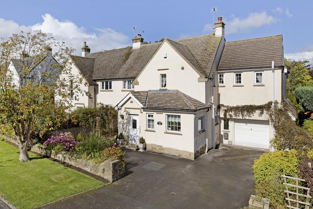 4 Bedrooms Semi Detached House for sale in Westgate, Guiseley