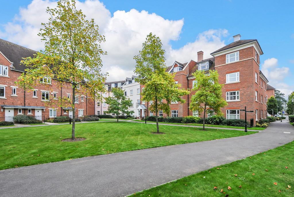 St Agnes Place Chichester 2 Bed Apartment 163 349 000