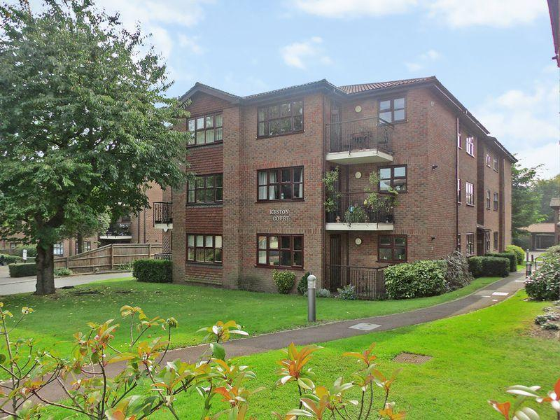 2 Bedrooms Apartment Flat for sale in Parkhill Road, Bexley