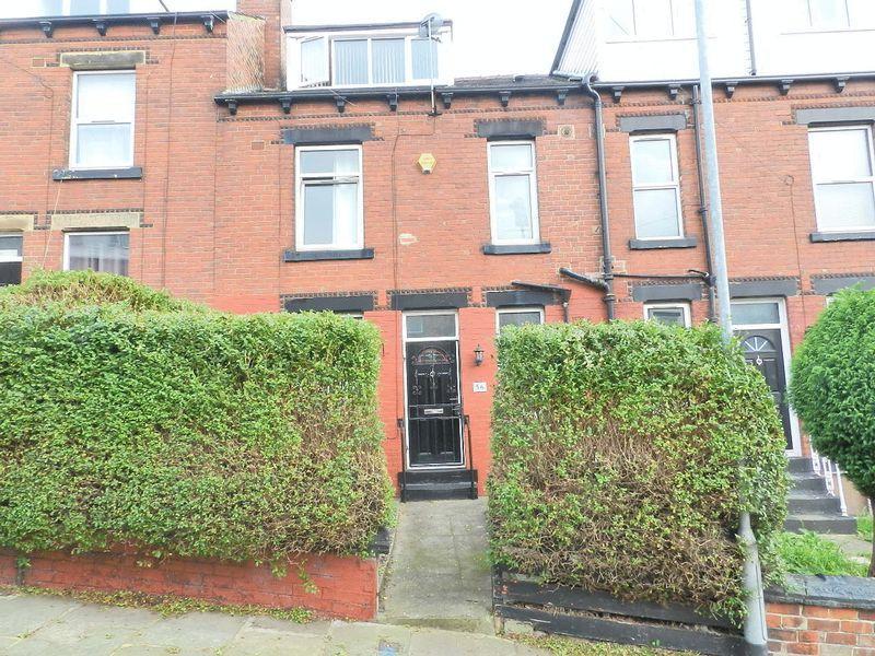 2 Bedrooms Terraced House for sale in Woodside Avenue, Leeds