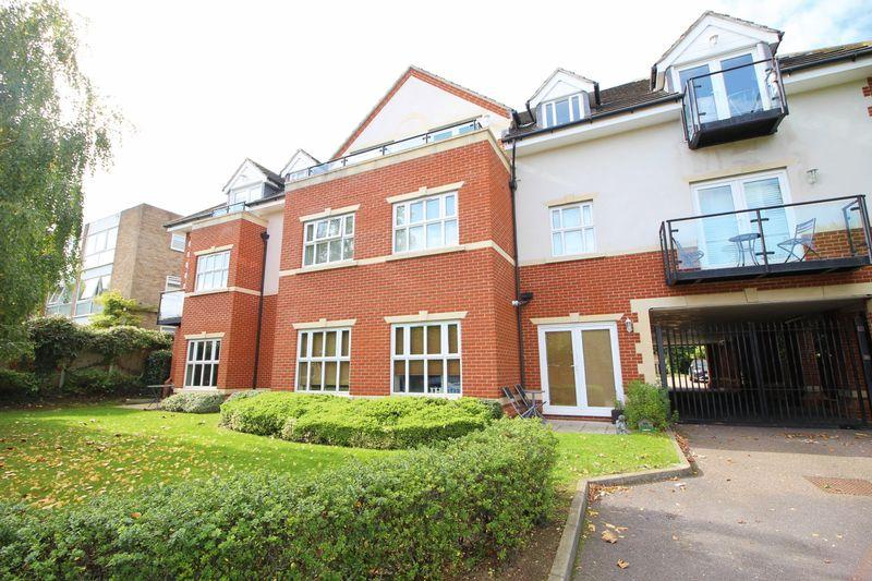 2 Bedrooms Flat for sale in Carlton Road, Sidcup