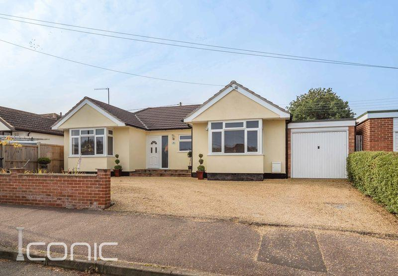 4 Bedrooms Detached Bungalow for sale in Olive Road, New Costessey, Norwich