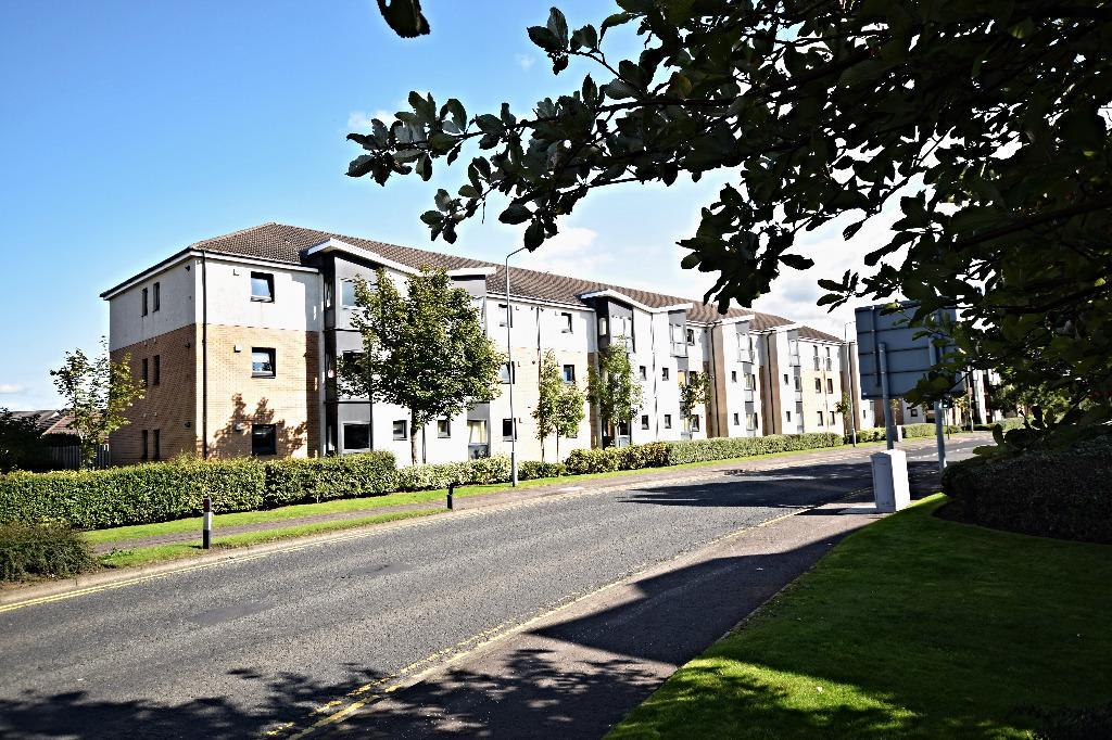 2 Bedrooms Flat for sale in Shawfarm Gardens, Prestwick, South Ayrshire, KA9 2GZ