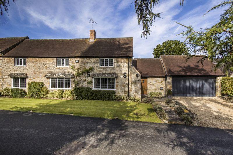 4 Bedrooms Cottage House for sale in Tredington, Warwickshire