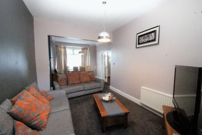 4 Bedrooms Terraced House for sale in Marton Road, Middlesbrough