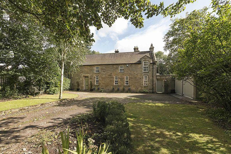 5 Bedrooms Semi Detached House for sale in Stable House, Newton Hall, Stocksfield