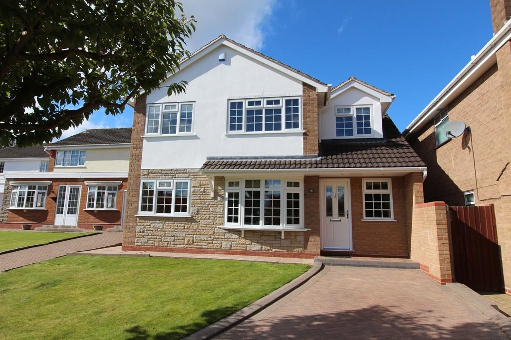 4 Bedrooms Detached House for sale in Shortland Close, Knowle
