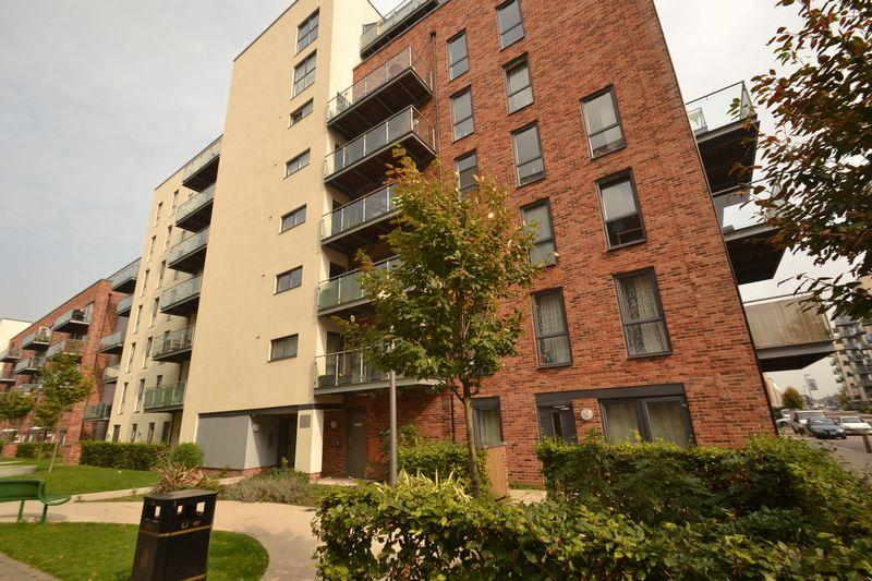 3 Bedrooms Terraced House for sale in Dagenham