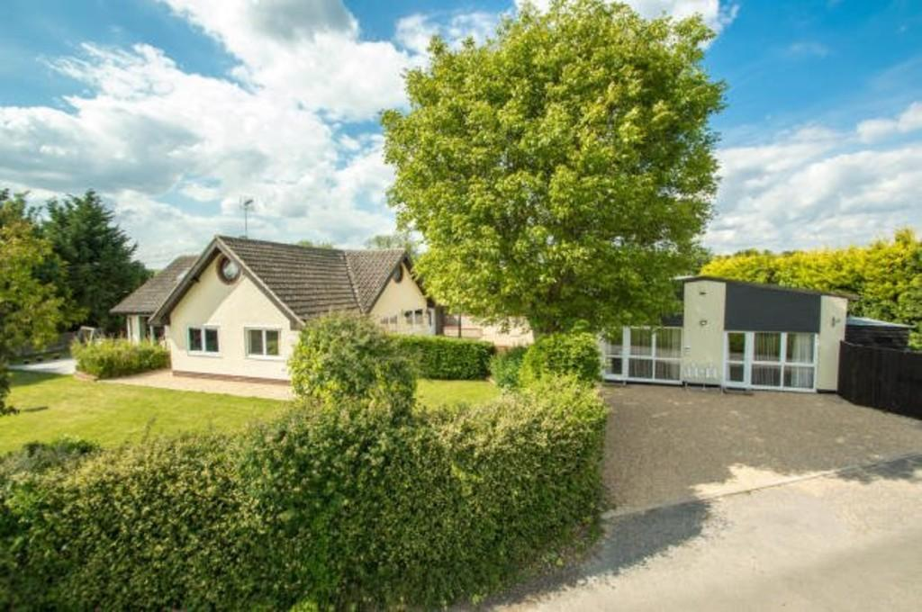 5 Bedrooms Detached House for sale in Rectory Road, Kedington