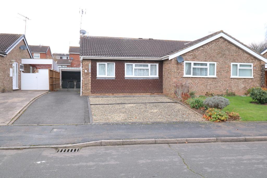 2 Bedrooms Semi Detached Bungalow for sale in Corbison Close, Warwick