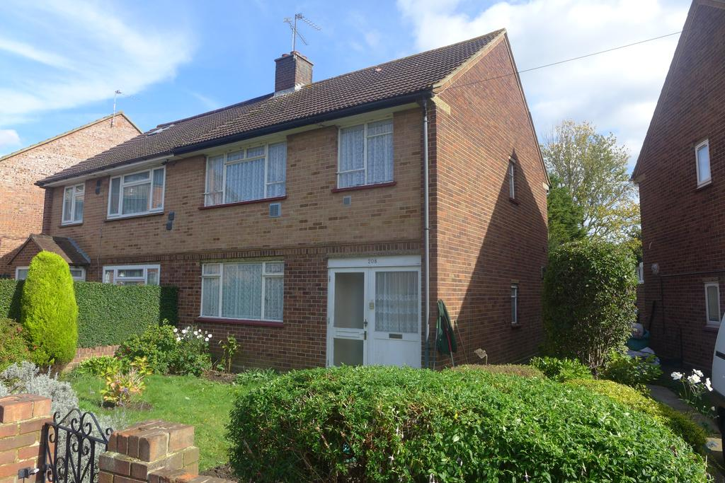 3 Bedrooms Semi Detached House for sale in Page Road, Feltham