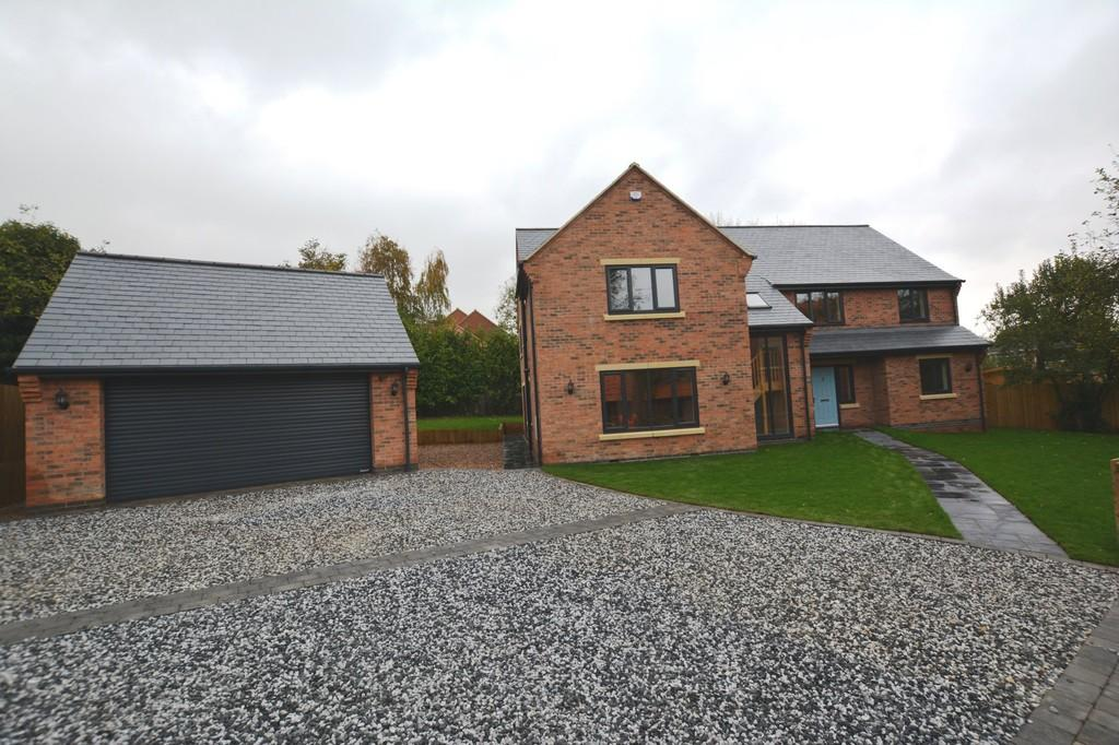 5 Bedrooms Detached House for sale in Lower Kirklington Road, Southwell