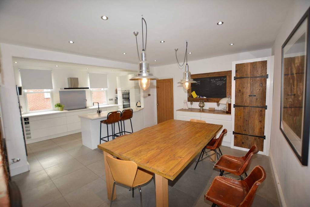 3 Bedrooms Cottage House for sale in Burgage Lane, Southwell