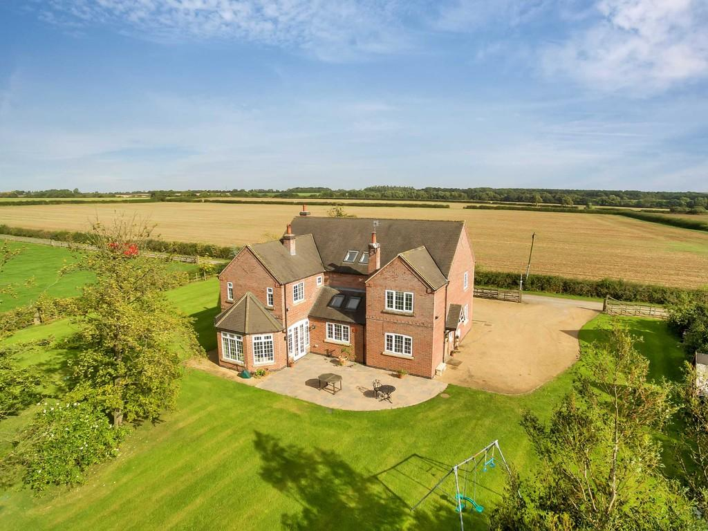5 Bedrooms Detached House for sale in Oxton Road, Southwell