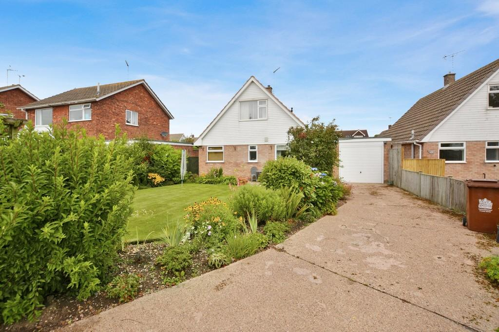 3 Bedrooms Detached Bungalow for sale in Woodland Close, Farnsfield