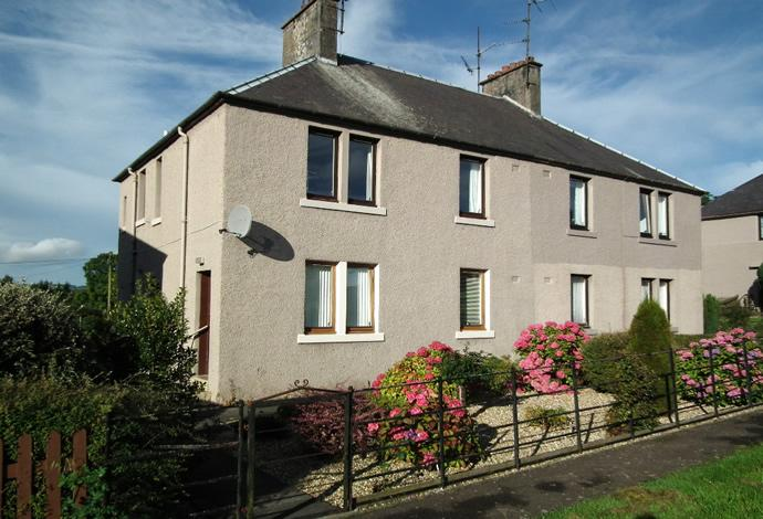 2 Bedrooms Flat for sale in 30 Earlsmeadow, Duns, TD11 3AQ