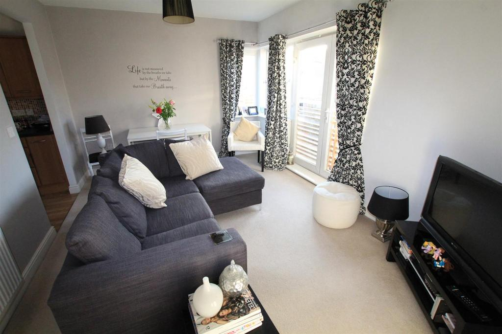 2 Bedrooms Apartment Flat for sale in Hawkshead Place, The Lanes, Newton Aycliffe