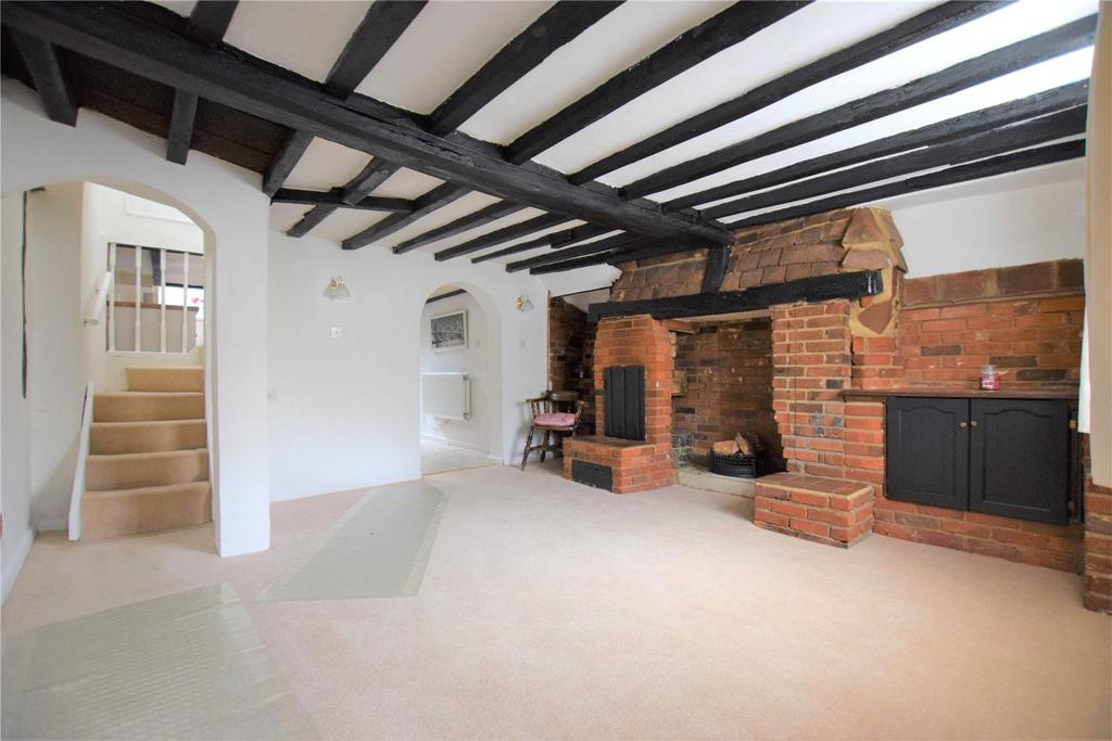 2 Bedrooms Terraced House for sale in High Street, Kings Langley, Hertfordshire, WD4