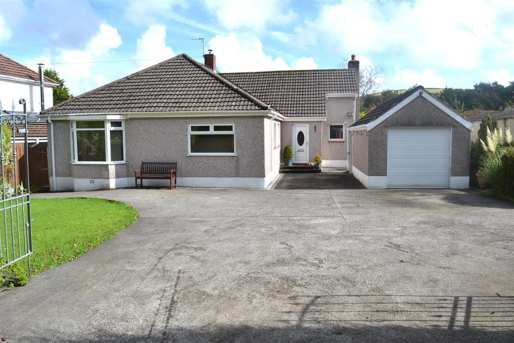 3 Bedrooms Detached Bungalow for sale in Garrod Avenue, Dunvant, Swansea