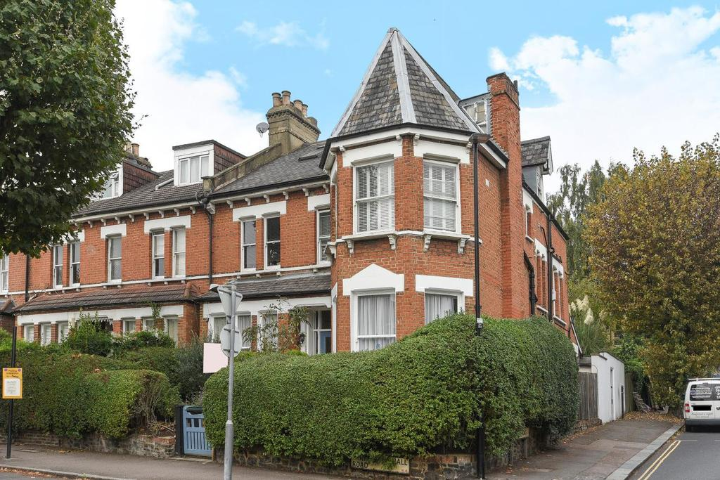 2 Bedrooms Flat for sale in Stapleton Hall Road, Stroud Green