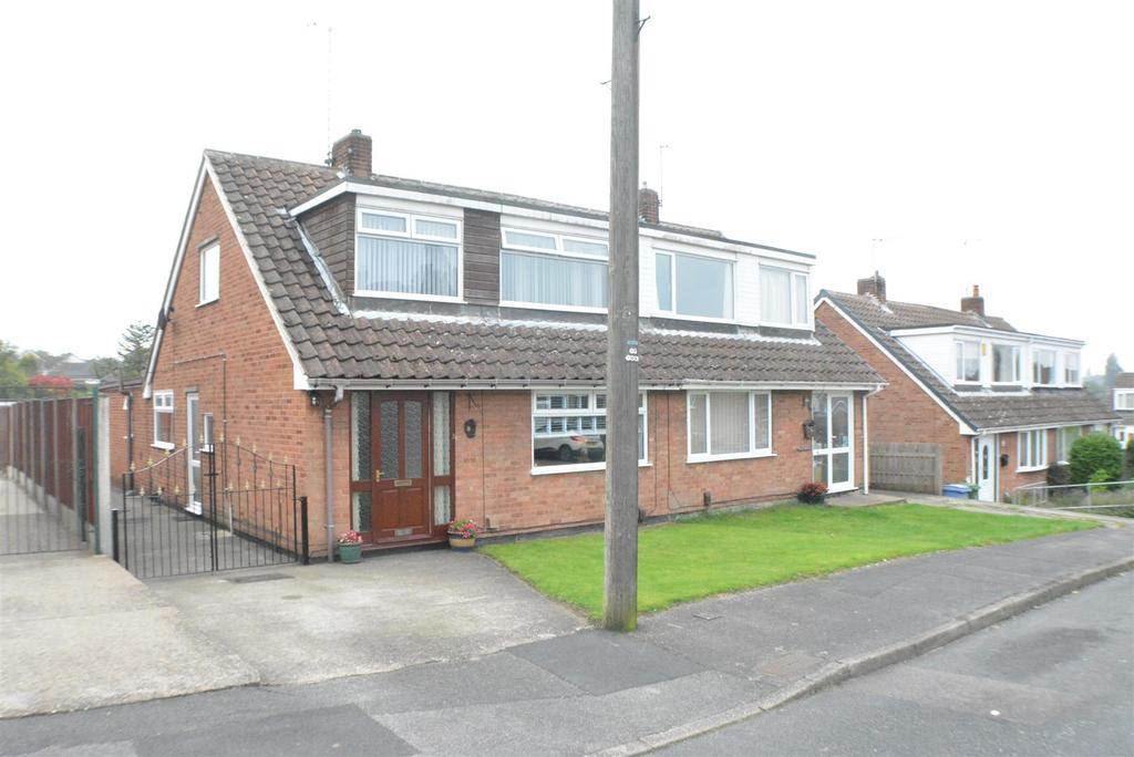 4 Bedrooms Semi Detached House for sale in Little Barn Court, Mansfield