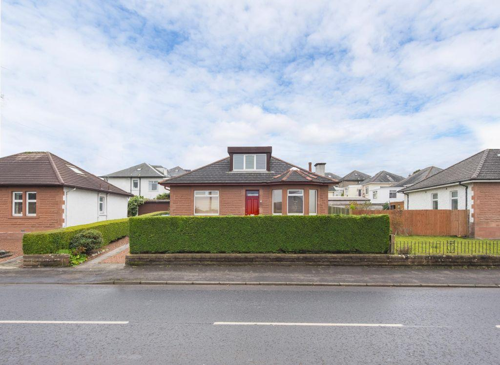 3 Bedrooms Detached Bungalow for sale in 142 Blairbeth Road, Burnside, Glasgow, G73 5DJ