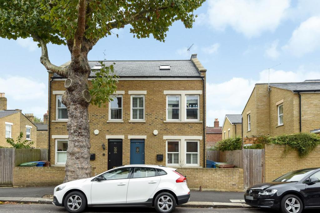 3 Bedrooms Semi Detached House for sale in Inverton Road, Peckham