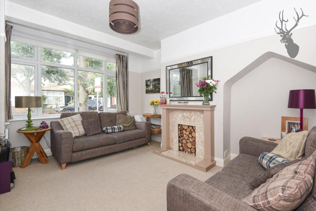 2 Bedrooms House for sale in Southern Drive, Loughton, IG10