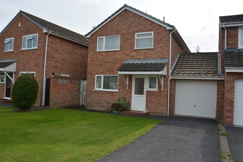 3 Bedrooms Detached House for sale in Eastleigh Close, Burnham-On-Sea