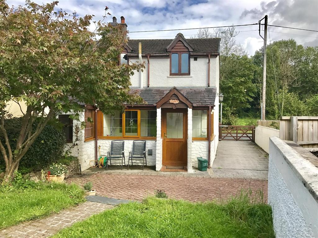 3 Bedrooms Semi Detached House for sale in Crunant, Llanwrda