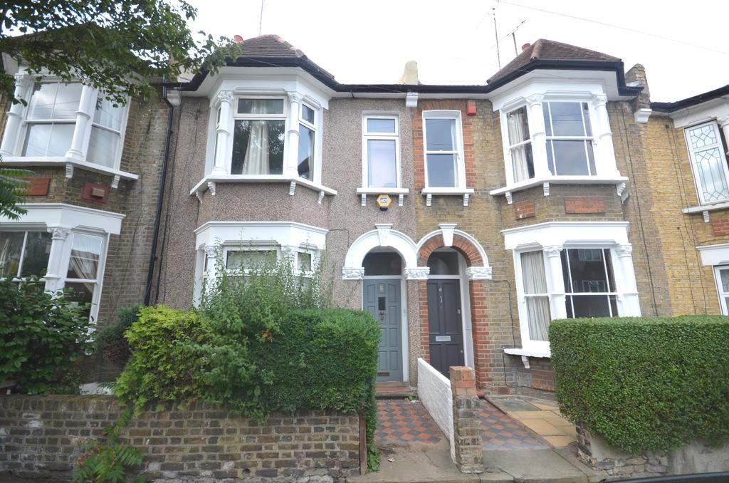 3 Bedrooms Terraced House for sale in Kemsing Road Greenwich SE10
