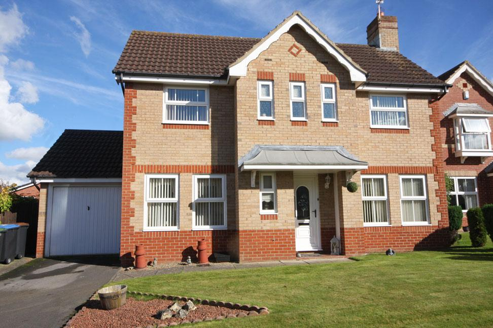 3 Bedrooms Detached House for sale in Red Banks, Poppyfields, Chester-le-Street DH2 2XG