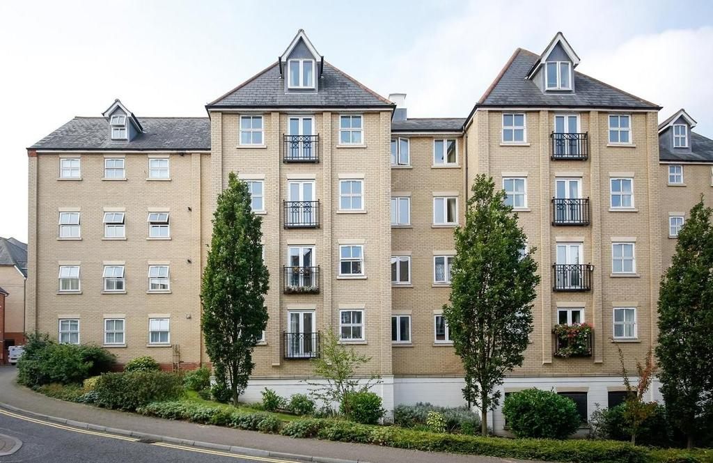 3 Bedrooms Apartment Flat for sale in Henry Laver Court, Colchester, Essex, CO3