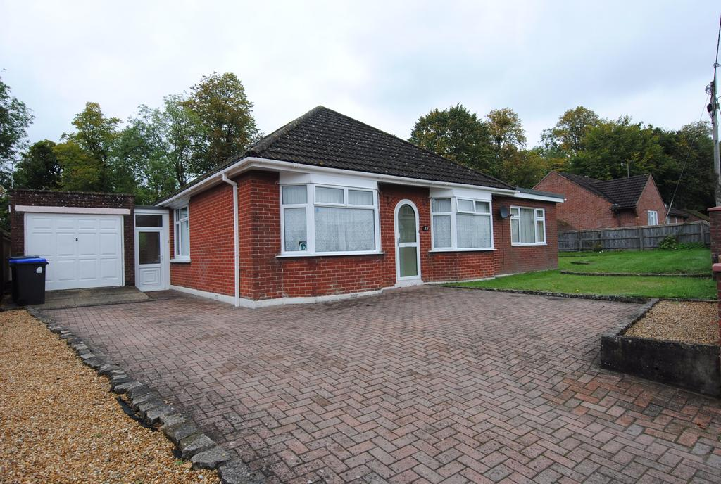 4 Bedrooms Detached Bungalow for sale in London Road, Amesbury, Salisbury