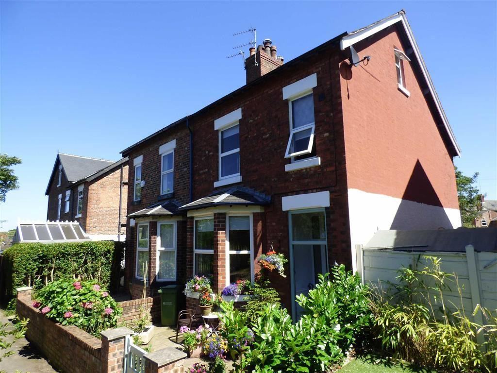 3 Bedrooms Semi Detached House for sale in Bellfield Avenue, Cheadle Hulme, Cheshire
