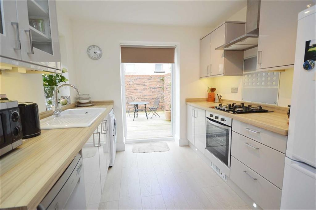 3 Bedrooms Terraced House for sale in Clyde Street, CH42