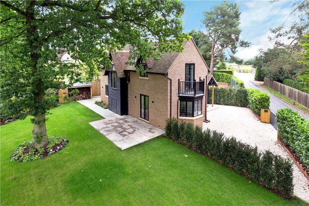 3 Bedrooms Semi Detached House for sale in Little Gaddesden, Berkhamsted, Hertfordshire, HP4