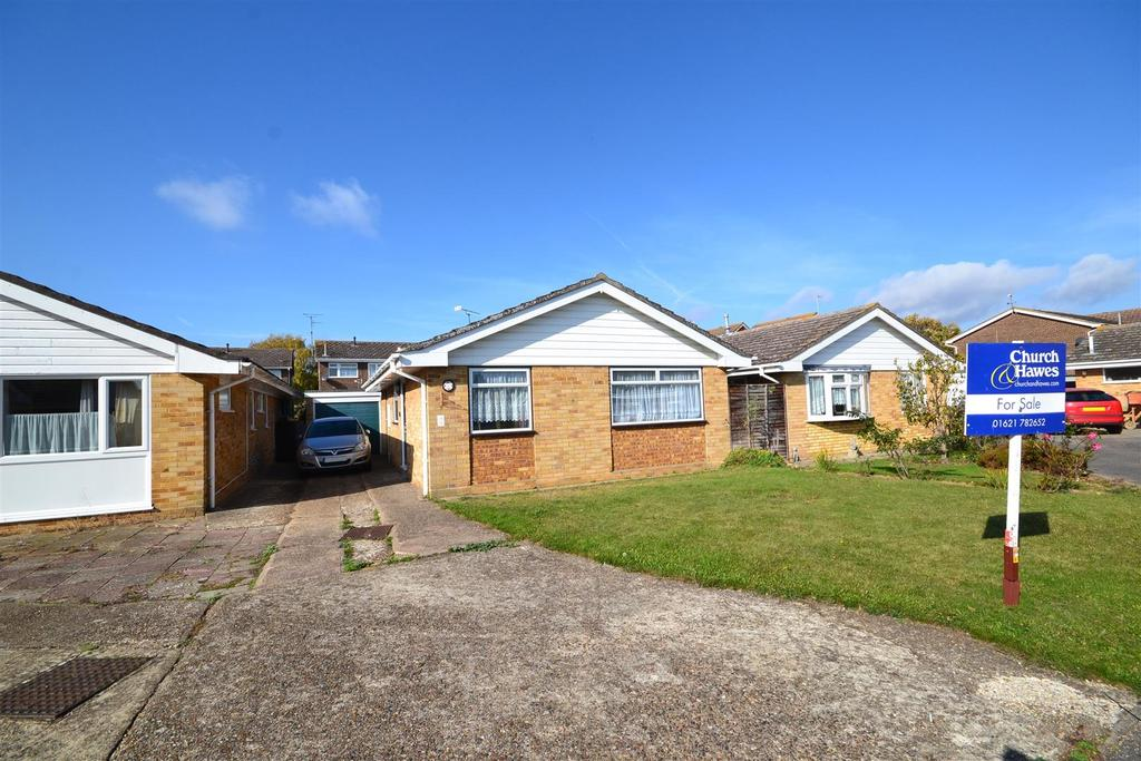 2 Bedrooms Bungalow for sale in Lime Way, Burnham-on-Crouch