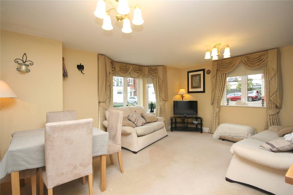 2 Bedrooms Apartment Flat for sale in St Michaels Close, Charlton Kings, Cheltenham, GL53
