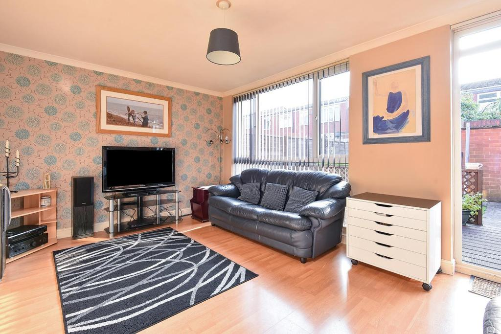 3 Bedrooms Terraced House for sale in Caistor Road, Balham