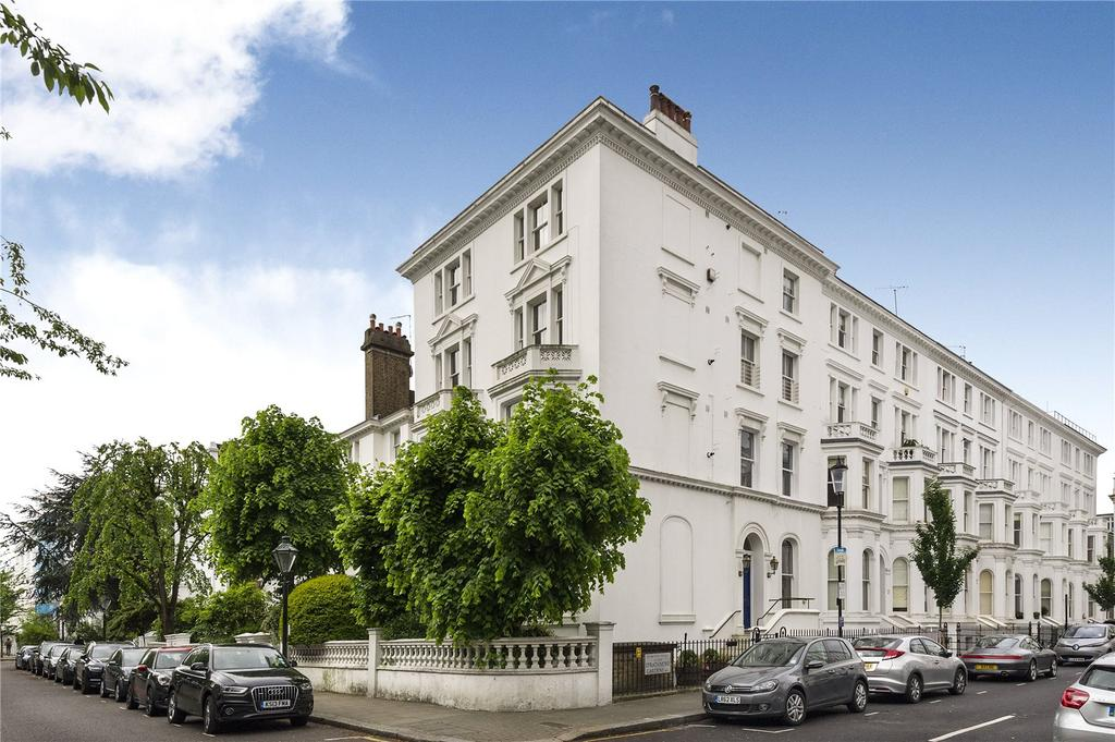 2 Bedrooms Flat for sale in Strathmore Gardens, London, W8