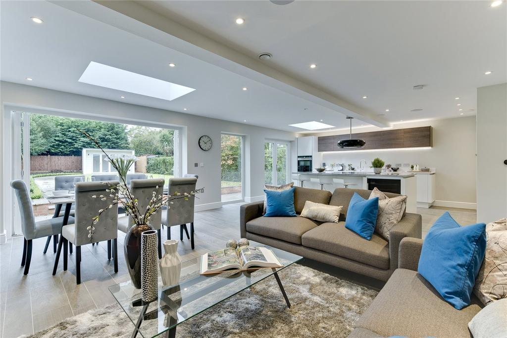 4 Bedrooms Detached House for sale in Red Lane, Claygate, Esher, Surrey, KT10