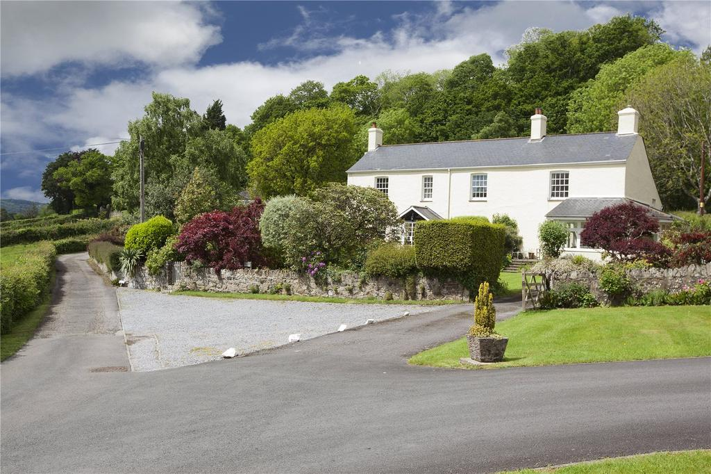 2 Bedrooms Semi Detached House for sale in Bovey Tracey, Newton Abbot, Devon