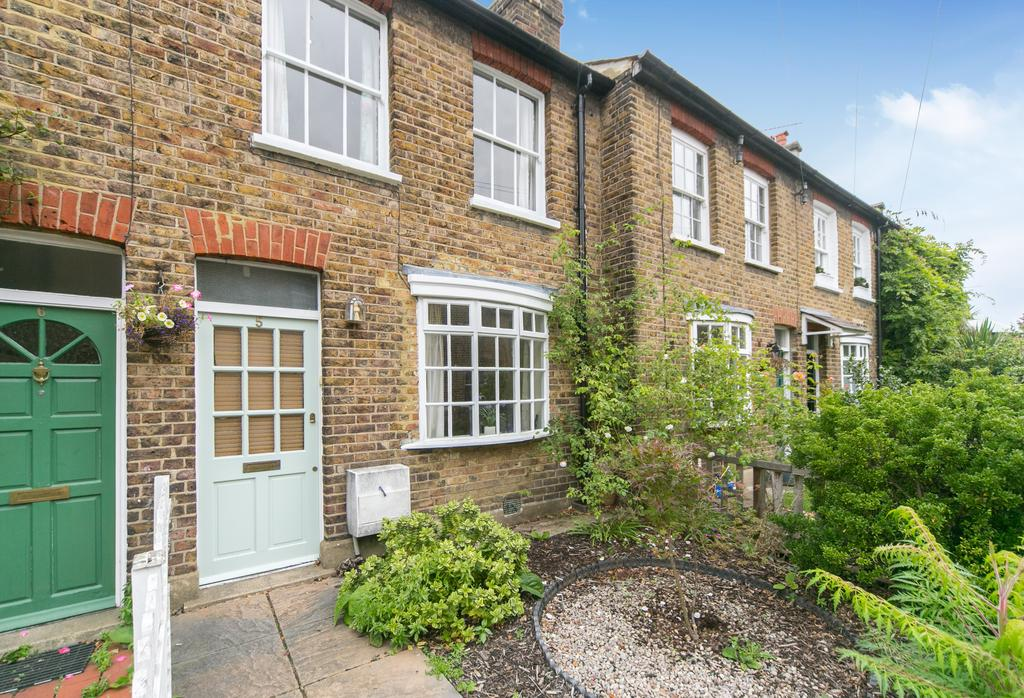 2 Bedrooms House for sale in St. Marys Place, Ealing