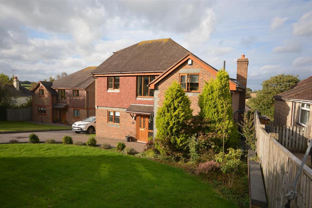 5 Bedrooms Detached House for sale in Virgins Lane, Battle