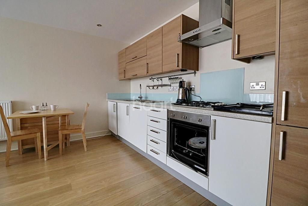 2 Bedrooms Flat for sale in Thomas Jacomb Place, Walthamstow