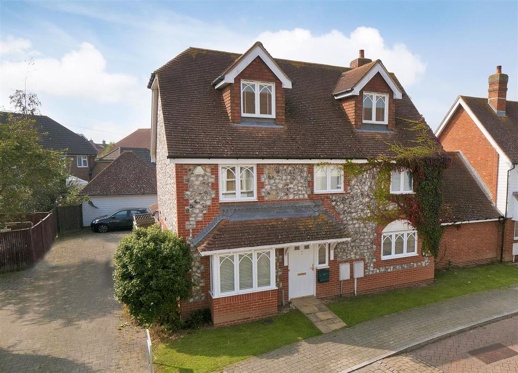 5 Bedrooms Detached House for sale in Dawn Lane, Kings Hill, ME19 4DH